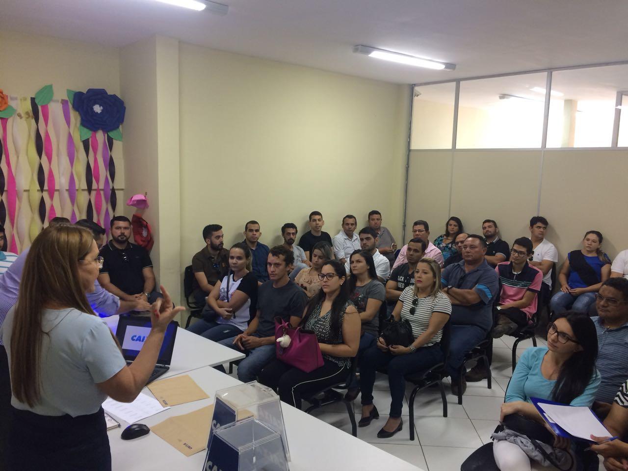 Prefeitura e Caixa realizam treinamento para sorteio de casas do Conjunto Odete Rosado