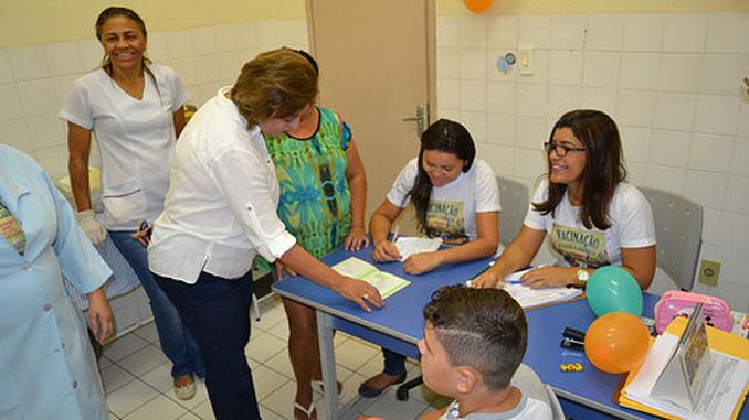 Prefeita acompanha Dia D da Campanha Nacional de Multivacinação