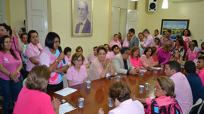 Prefeita lança a campanha Outubro Rosa no município