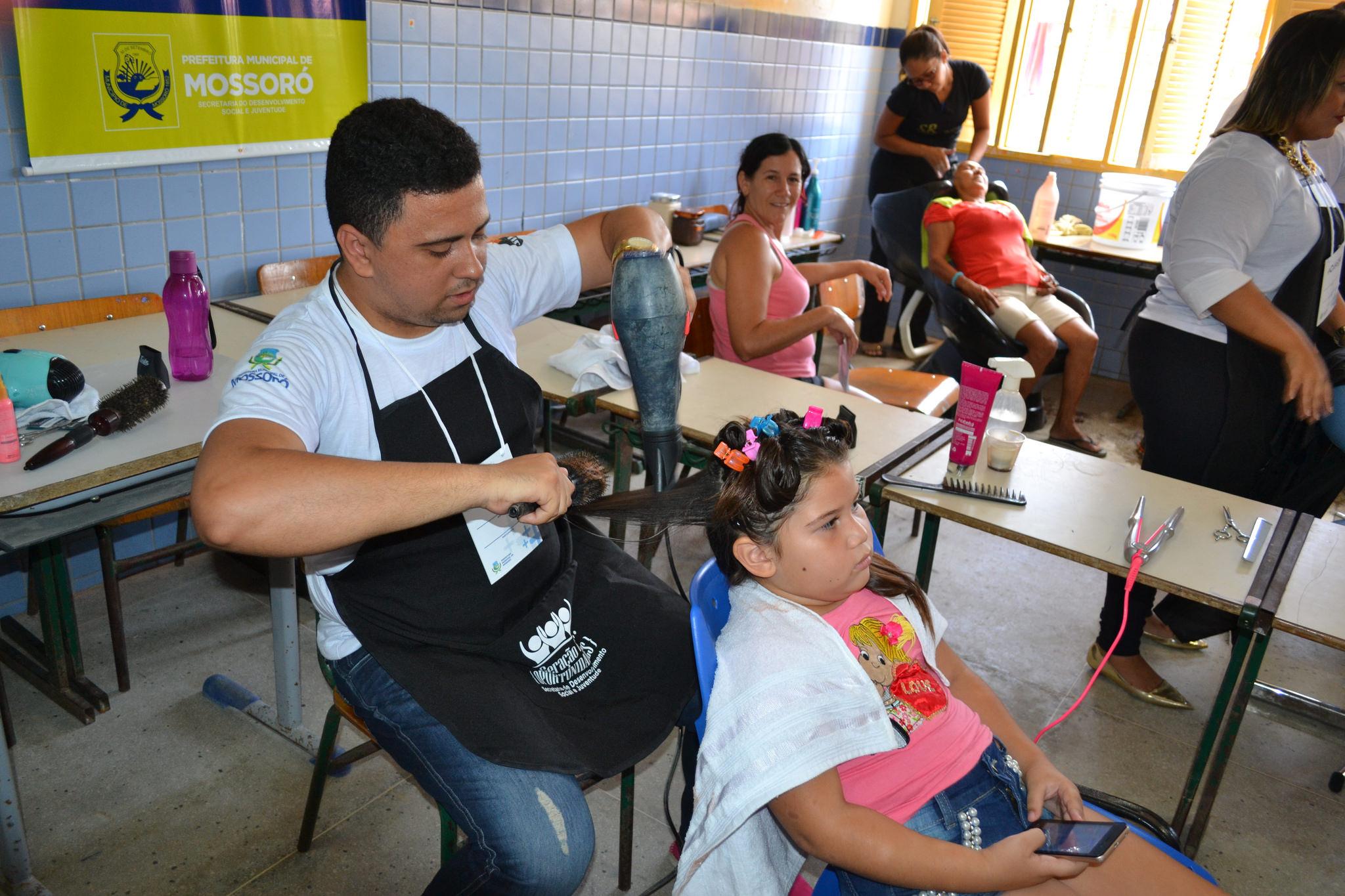 População do Santo Antônio é beneficiada com serviços do Mossoró Mais Cidadã