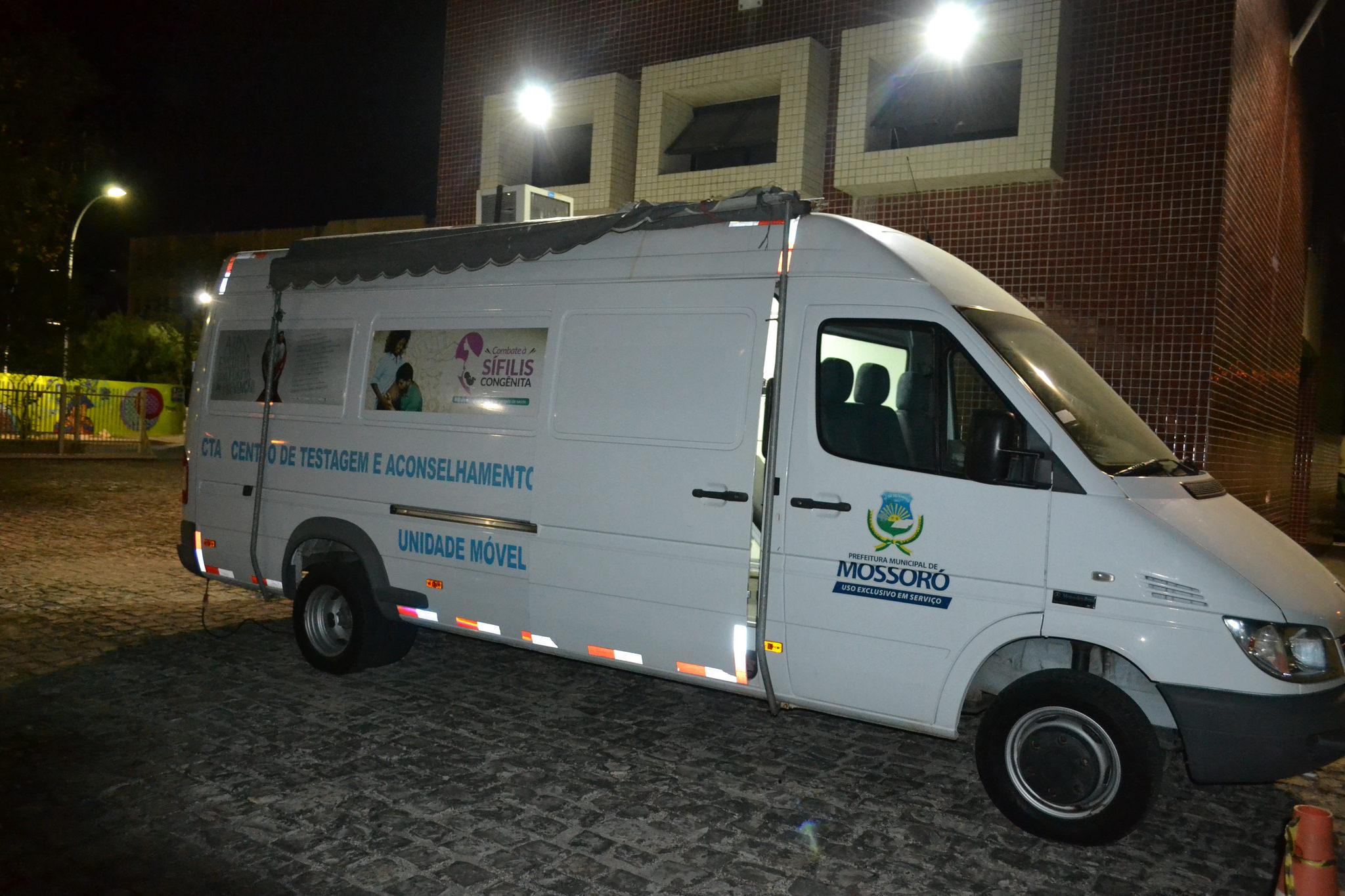 Unidade Móvel de Saúde atende mulheres no Centro da cidade