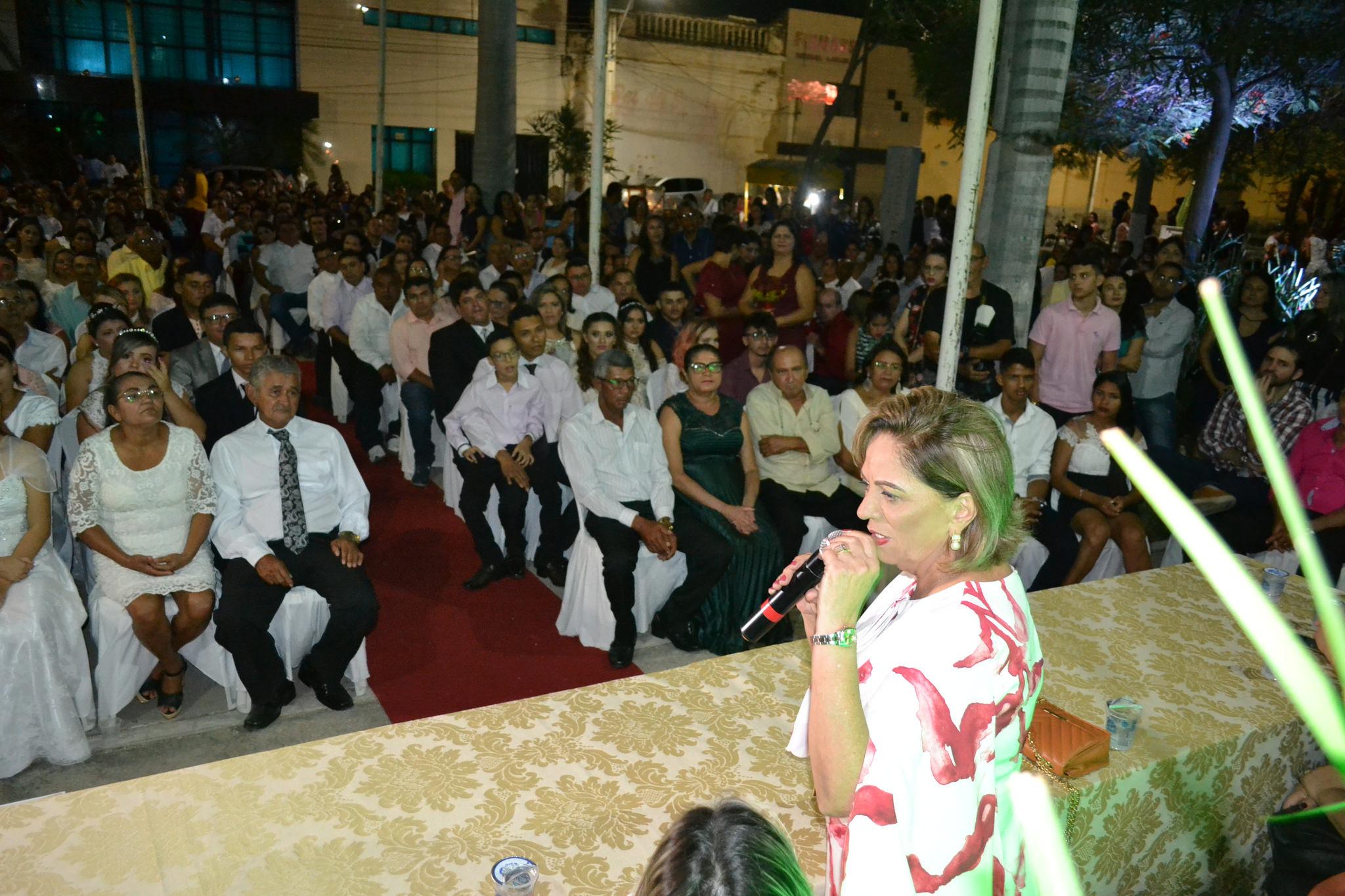 Casamento Coletivo une 105 casais em cerimônia na Estação das Artes