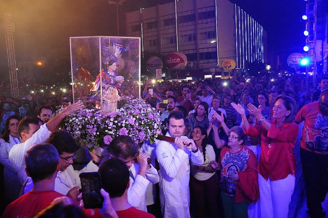 Prefeita participa da abertura oficial da Festa de Santa Luzia