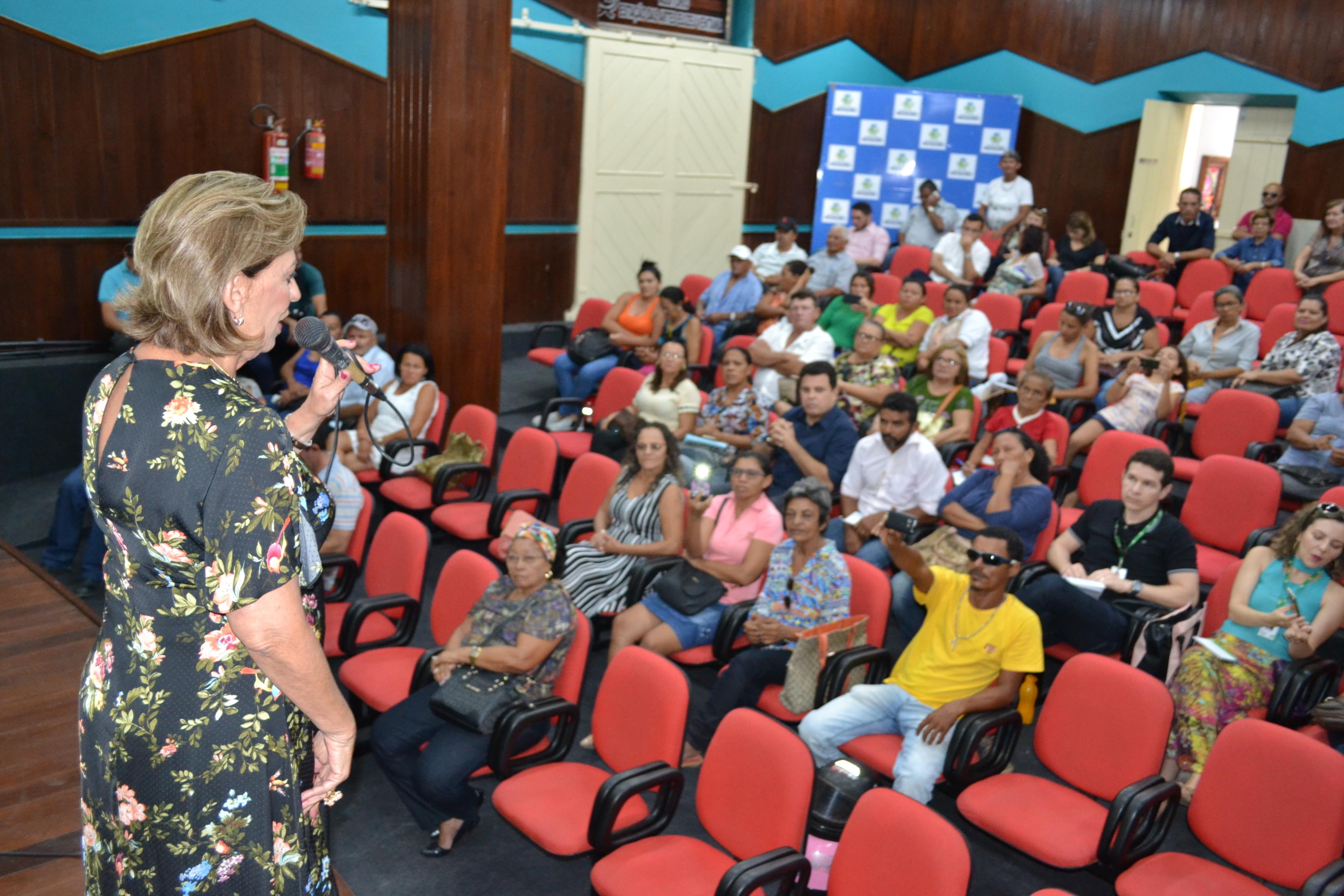 Prefeita Rosalba cobra prioridade para Mossoró na liberação de recursos do Fomento Mulher