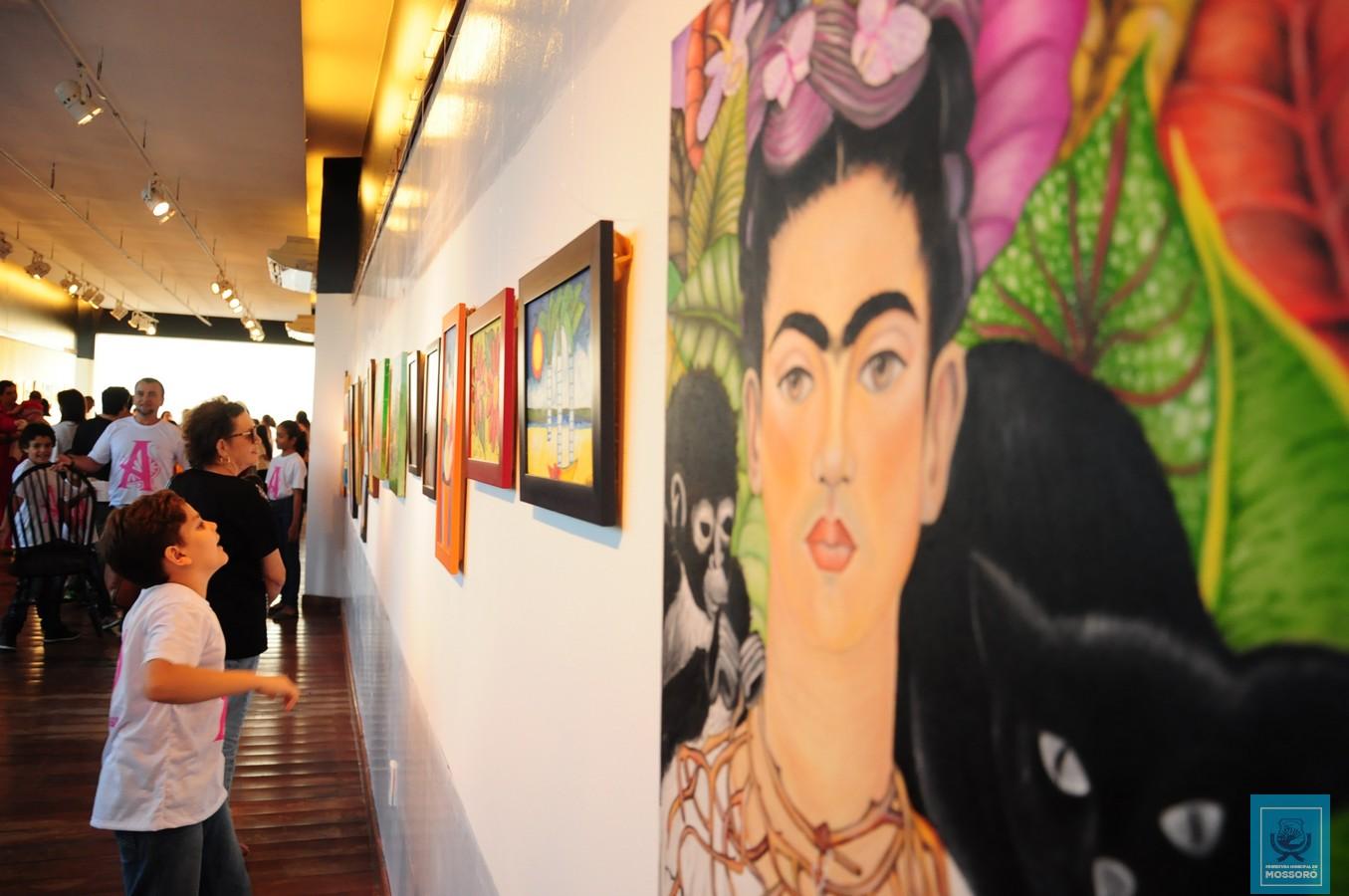 Alunos da Escola de Artes apresentam exposição no Memorial da Resistência
