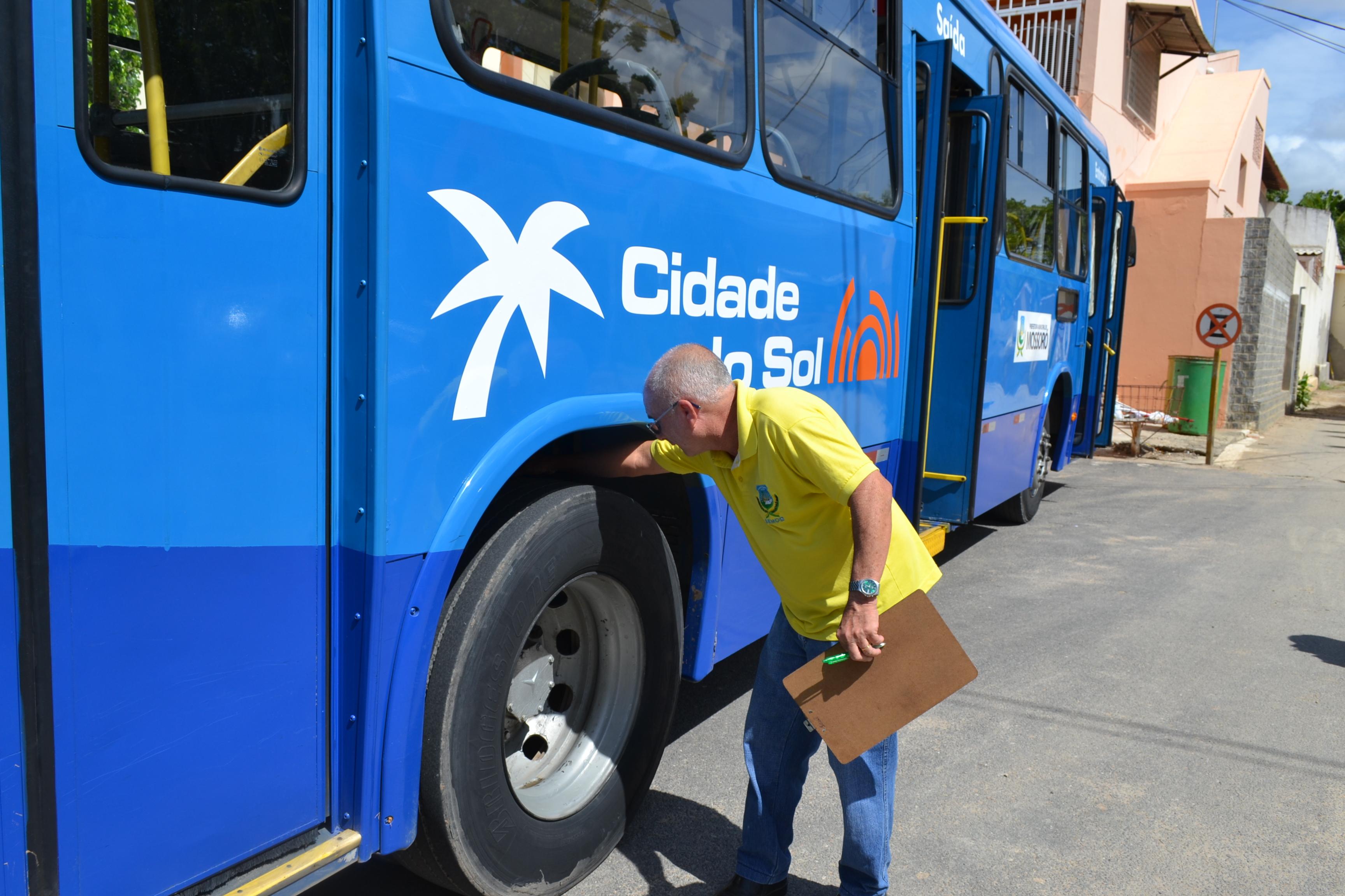 Todos os ônibus do transporte coletivo são aprovados em vistoria