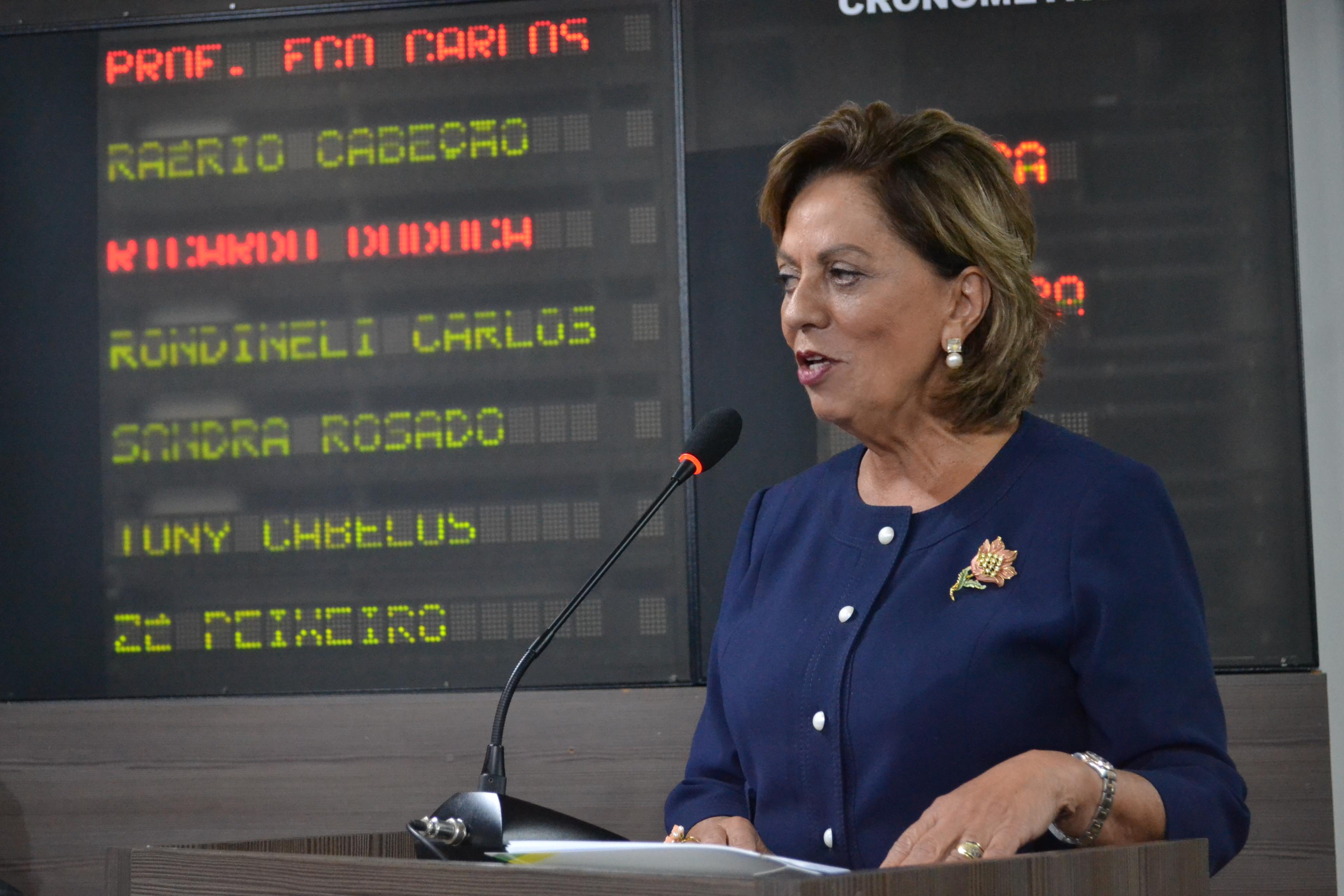 Rosalba exalta pioneirismo e bravura dos mossoroenses em sessão solene