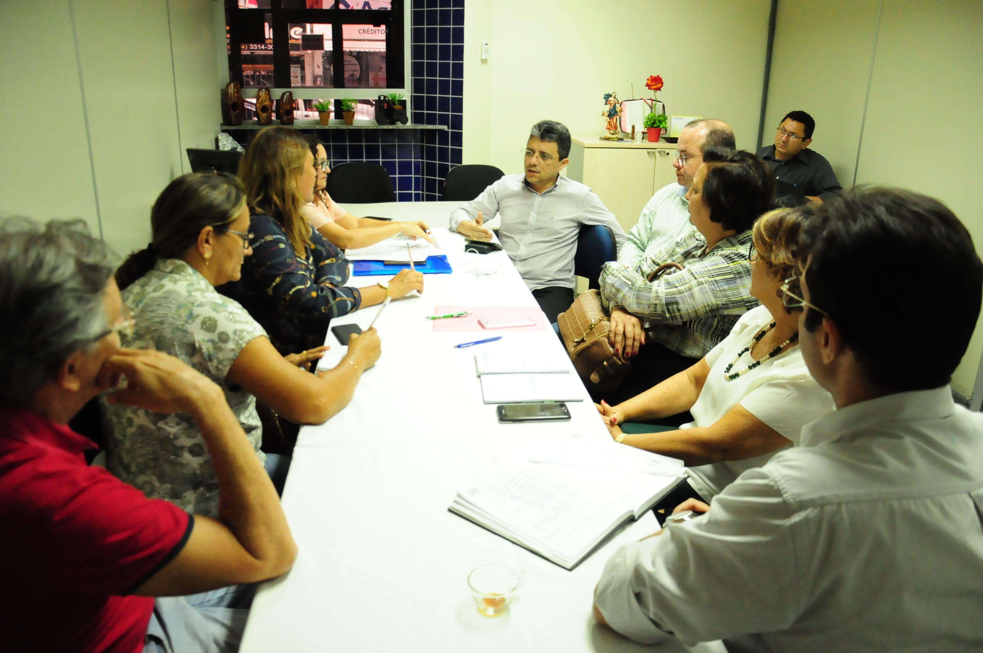 Prefeitura realiza audiência com o Sindiserpum para discutir demandas dos servidores