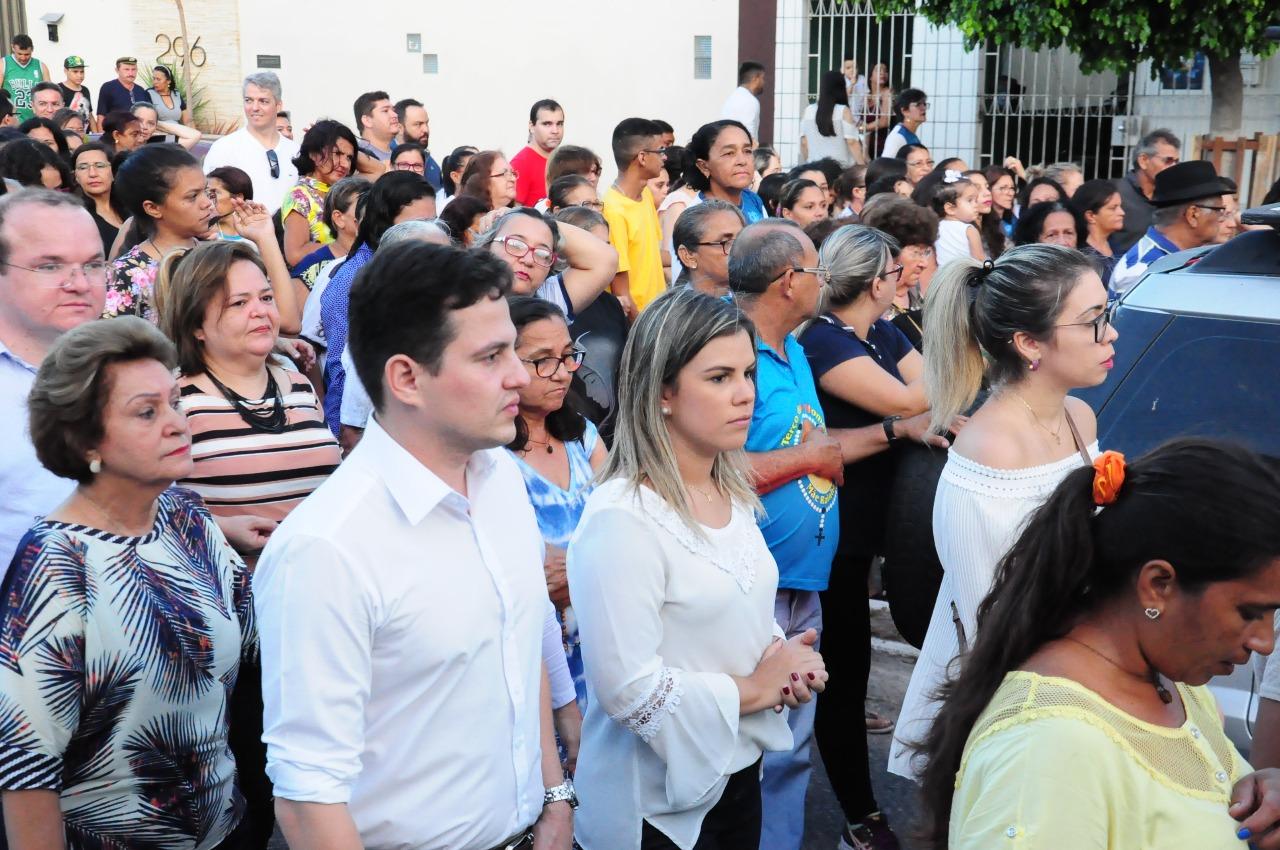 Vice-prefeita Nayara Gadêlha participa da procissão de São José