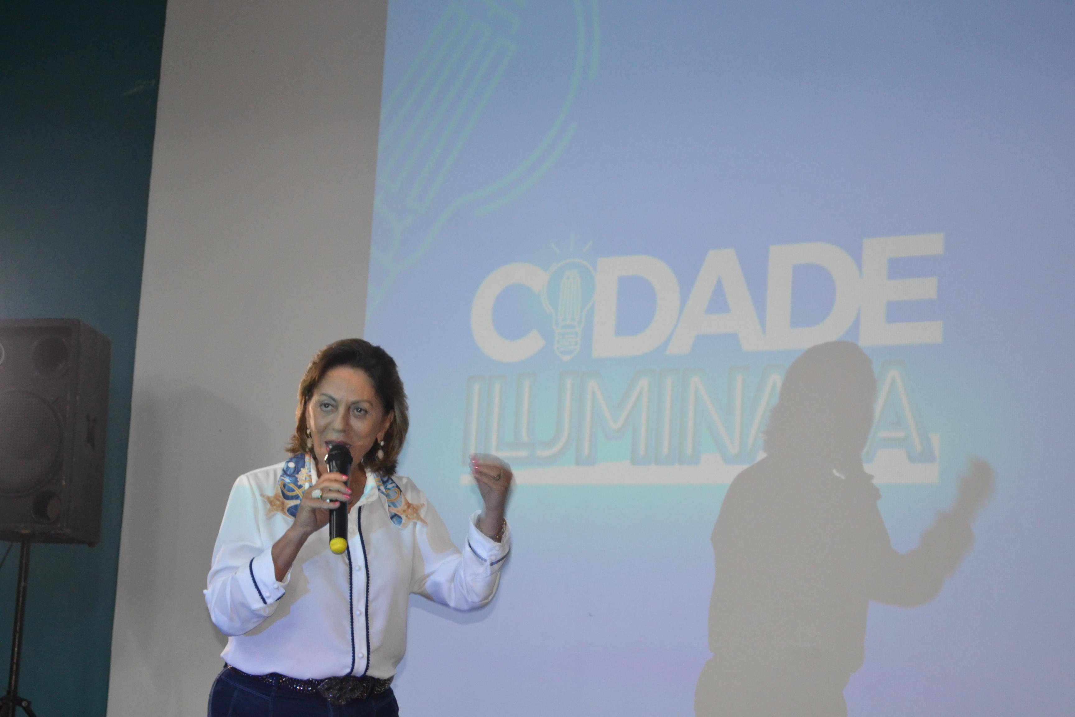 Projeto Cidade Iluminada vai gerar economia e permitir ampliação da iluminação pública