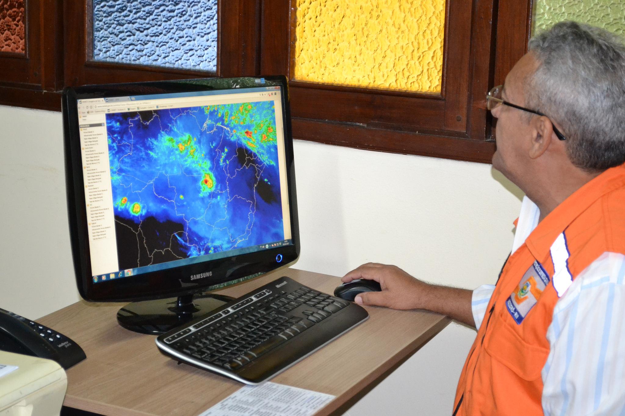 Defesa Civil alerta sobre risco de construções irregulares no período chuvoso