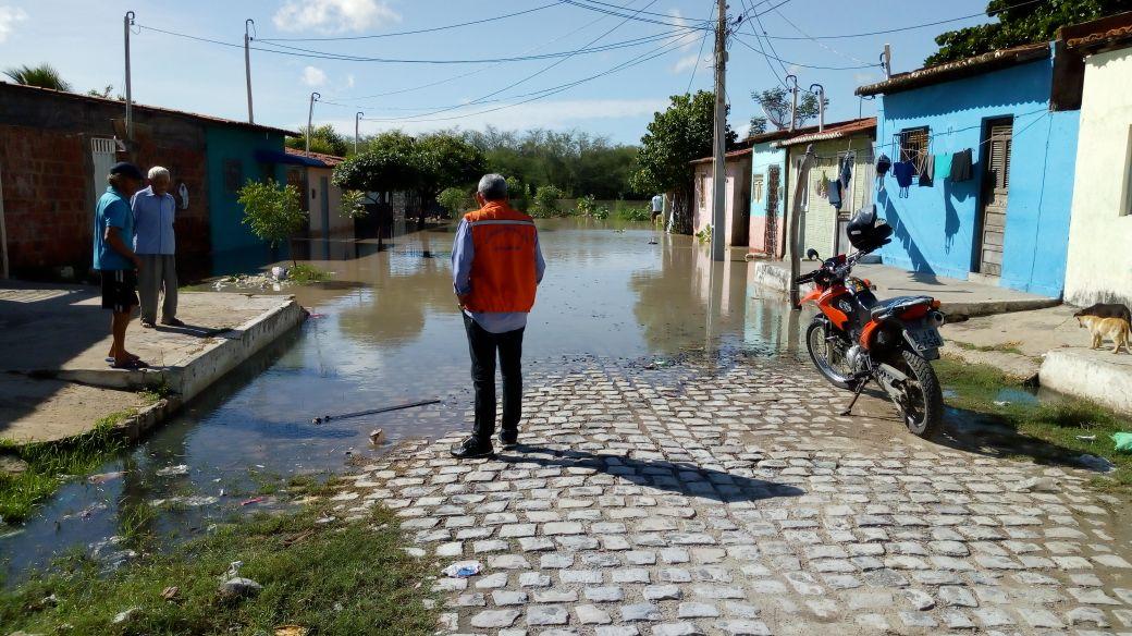 Defesa Civil monitora transbordamento das águas do Rio Mossoró e visita áreas ribeirinhas