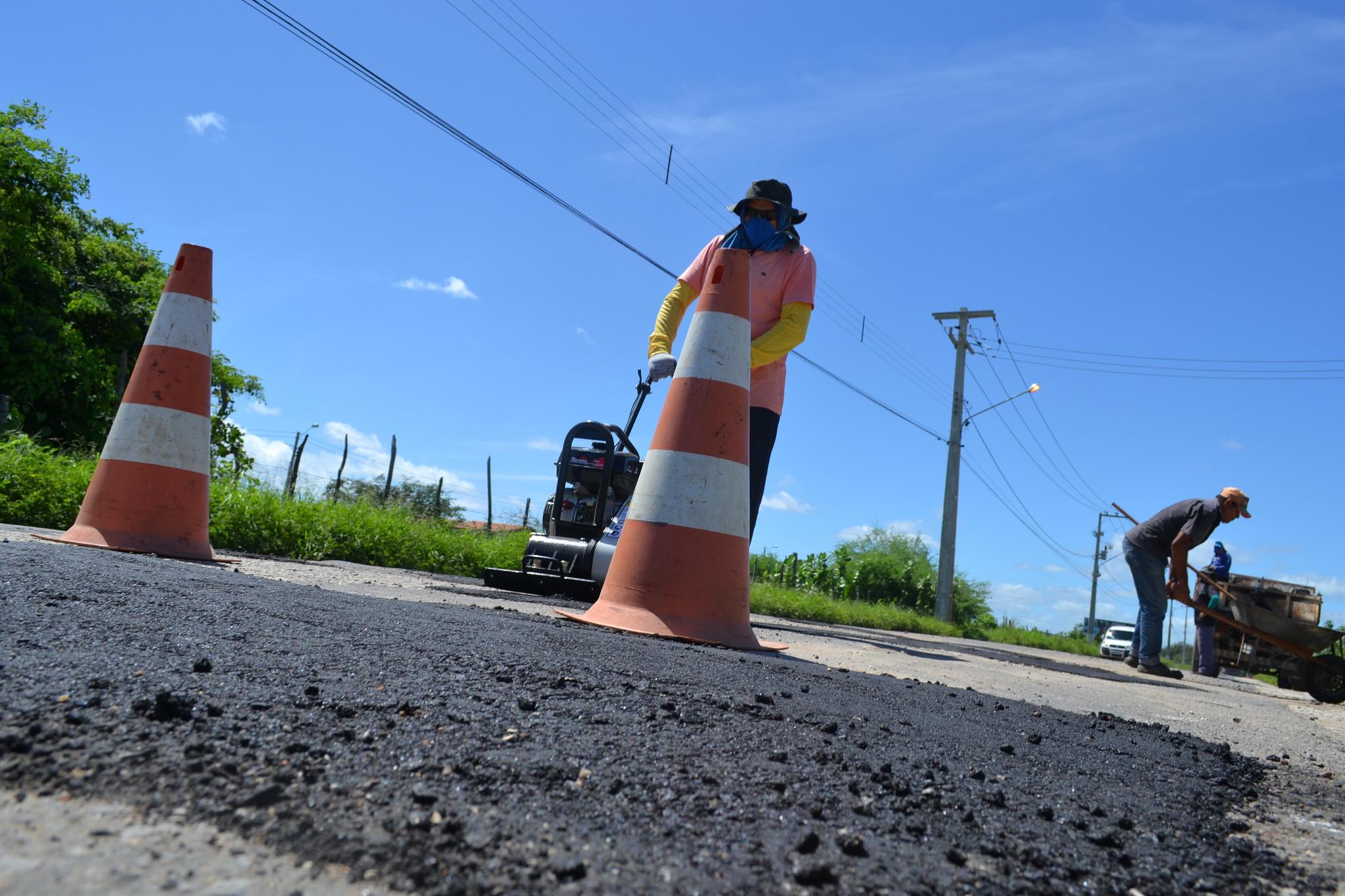 Prefeitura realiza reparos emergenciais na malha viária