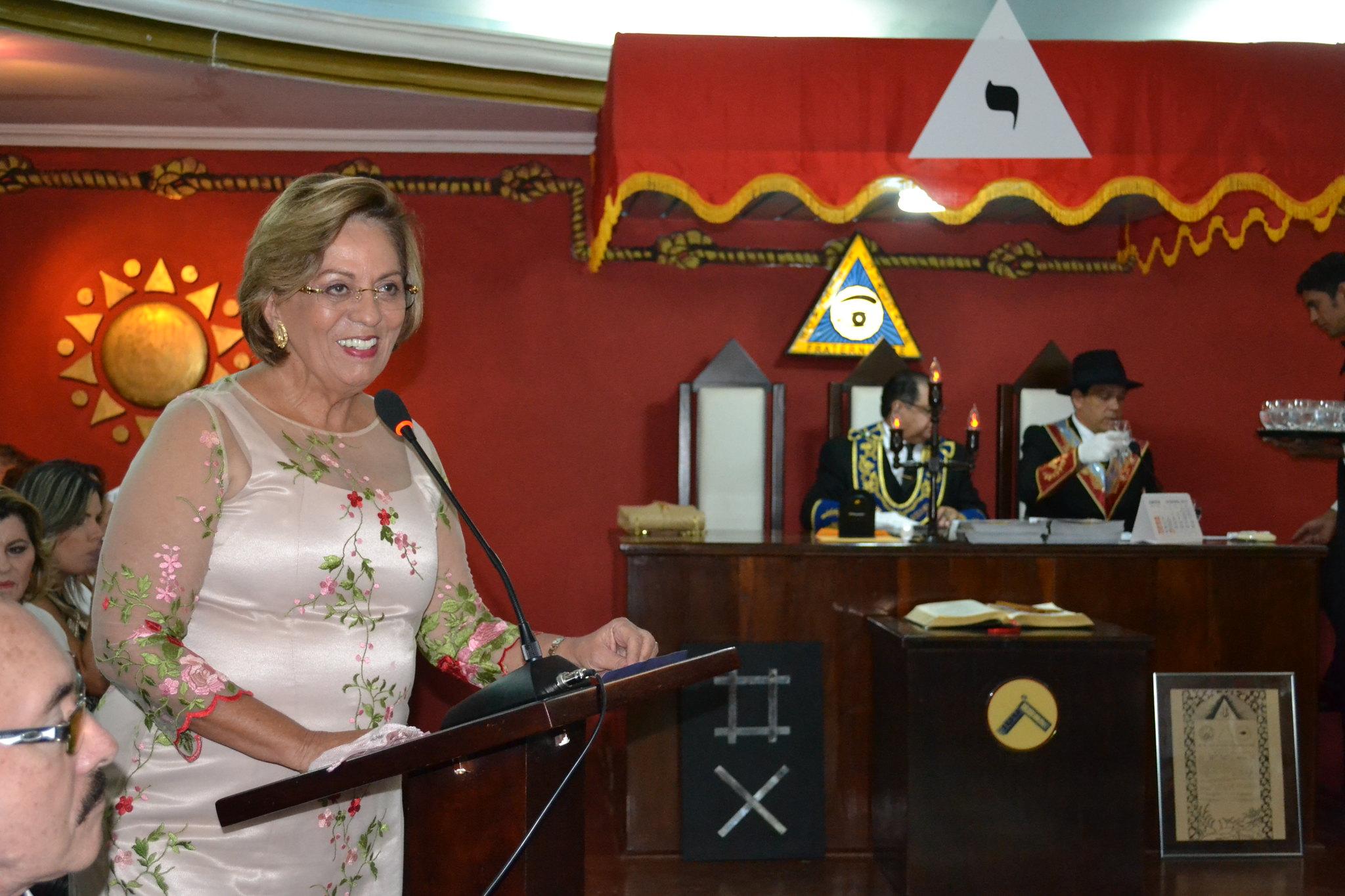 Prefeita Rosalba Ciarlini ministra palestra em Loja Maçônica no dia da emancipação política