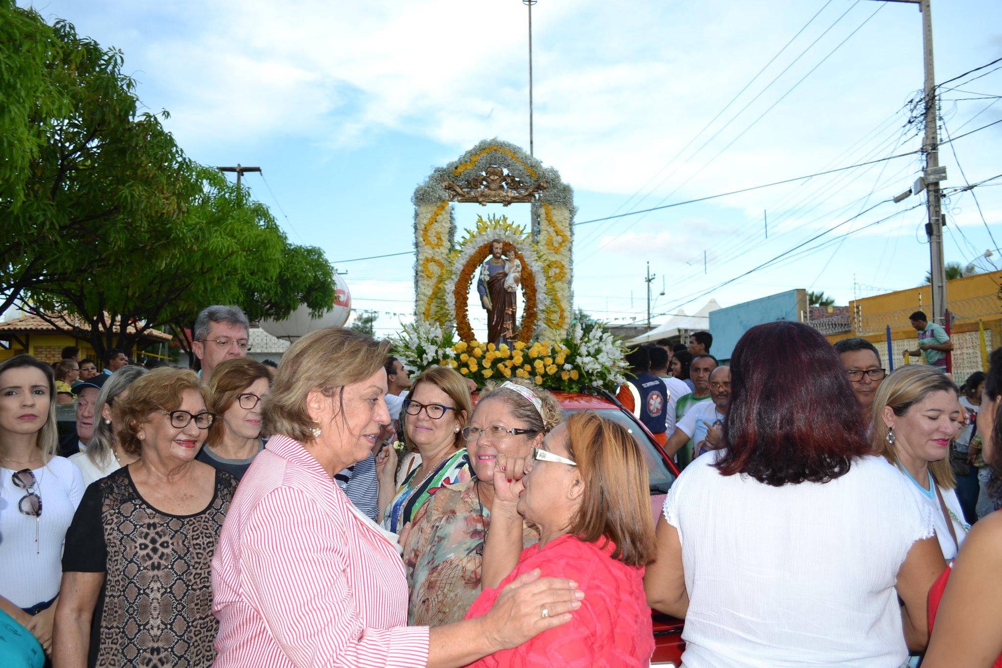 Prefeita Rosalba Ciarlini participa da tradicional procissão de São José