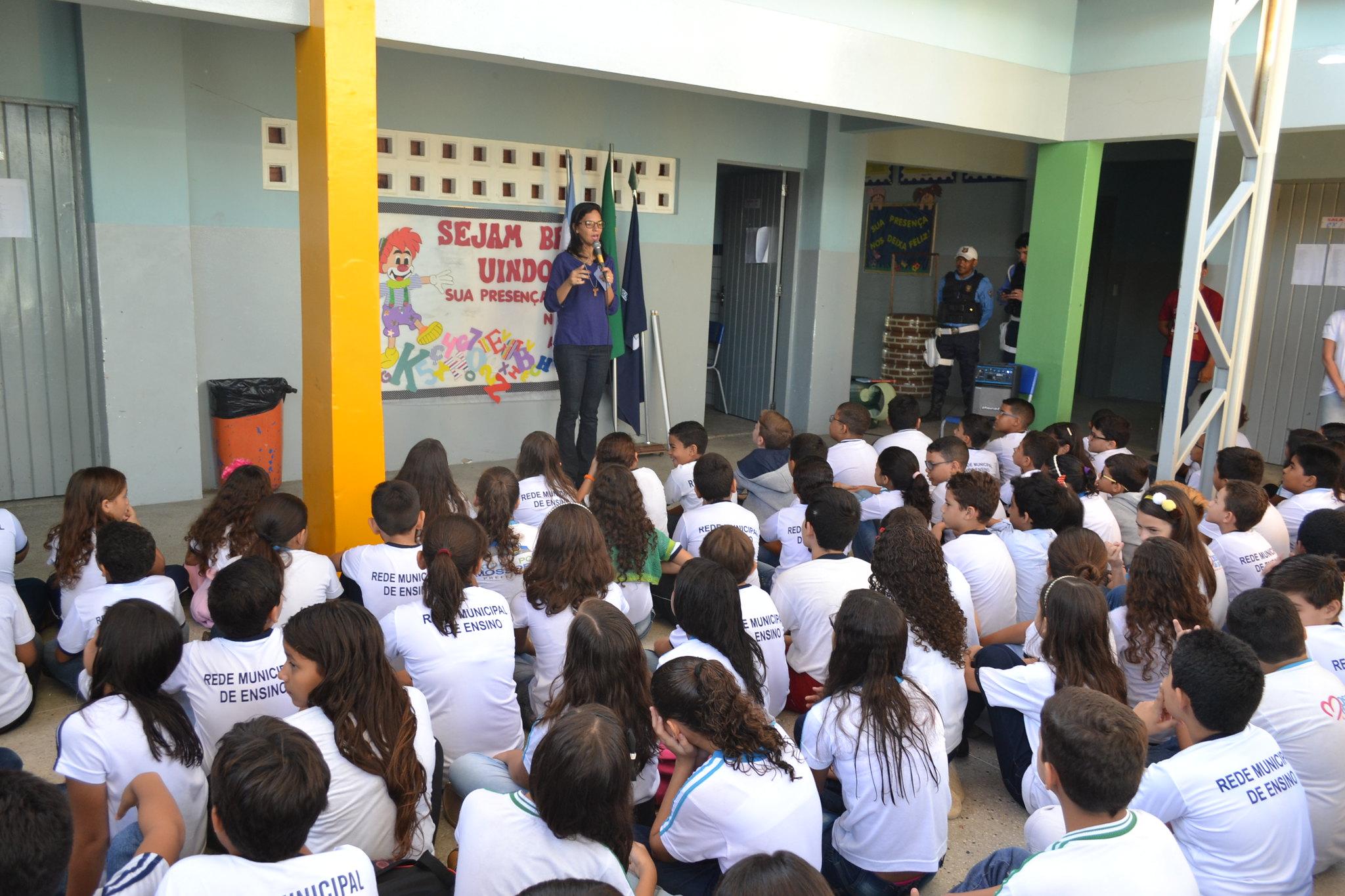 Escolas públicas municipais recebem trabalho educativo sobre trânsito