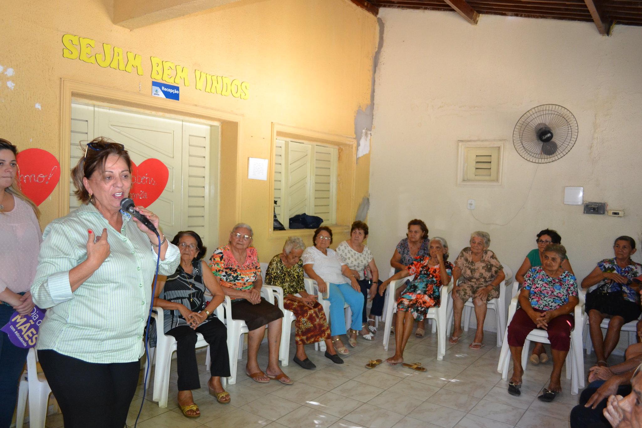 Centro Geriátrico realiza programação voltada ao Dia das Mães