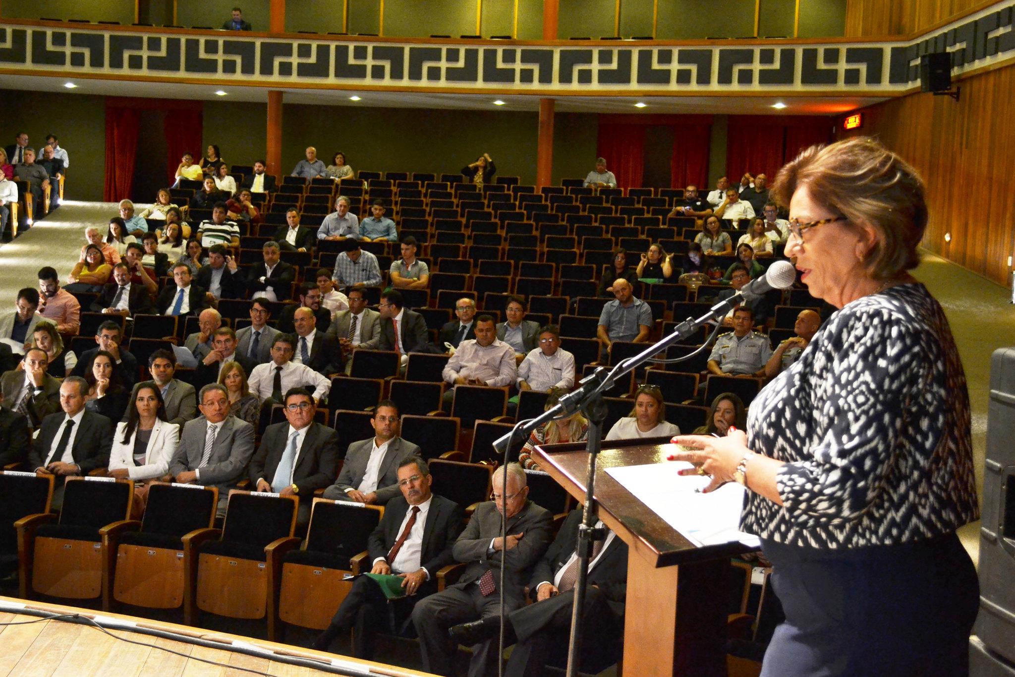 Prefeita Rosalba participa da abertura do 1º Encontro Estadual de Magistrados, Notários e Registradores do RN