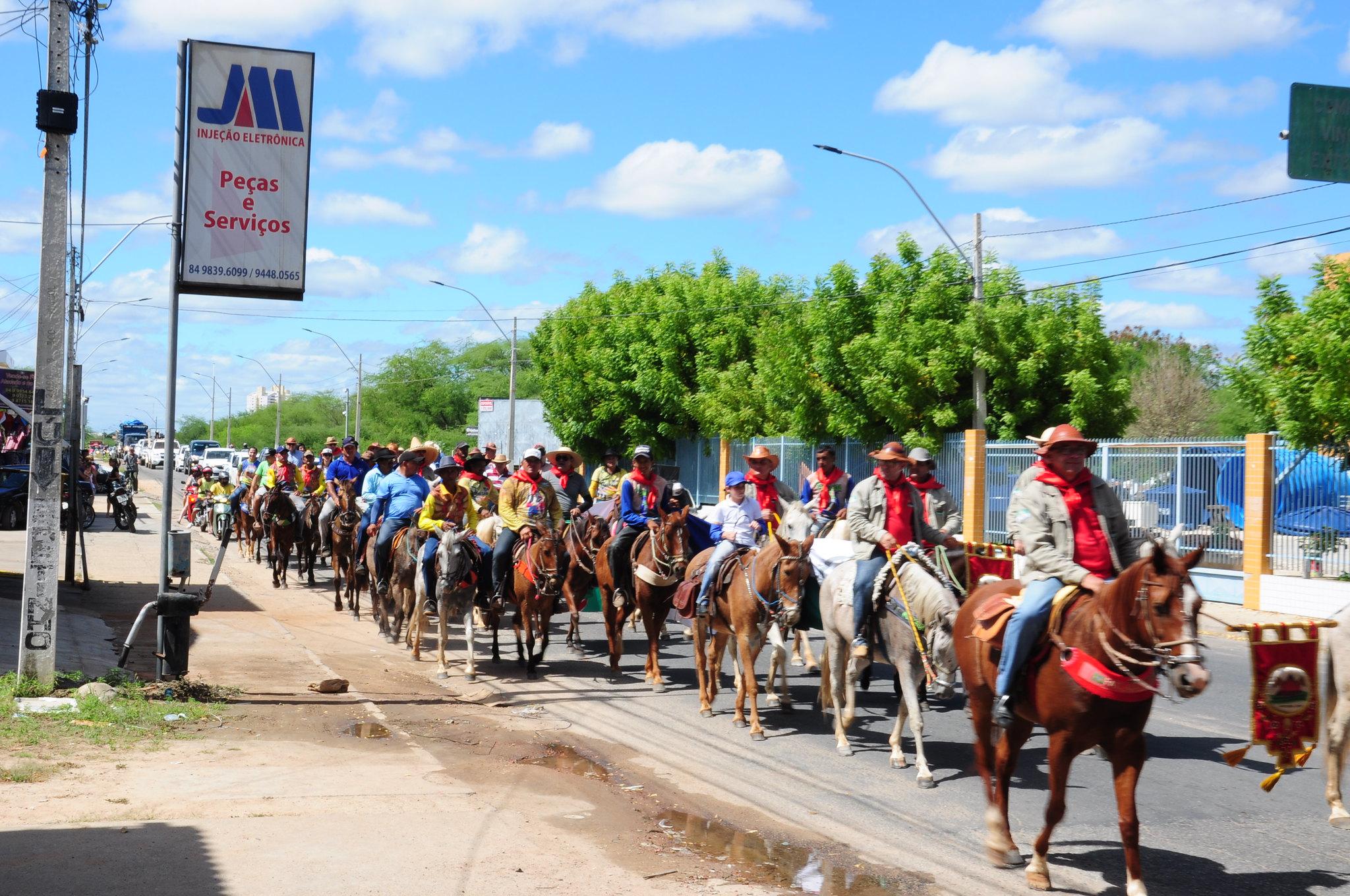Cavalgada Rota do Trem resgata tradições e percorre 130 quilômetros